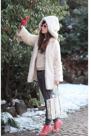 white romwe coat - bubble gum sleeh boots - ivory ianywear sweater