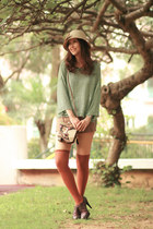 brown Vero Cuoio boots - chartreuse H&M sweater