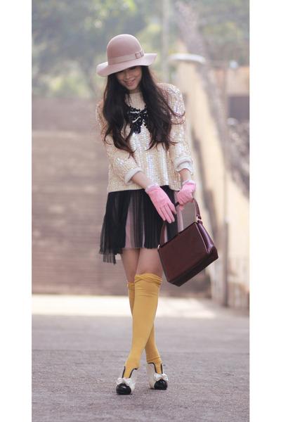 white wwwwholesale-dressnet shoes - neutral Monki hat - crimson vintage bag - iv