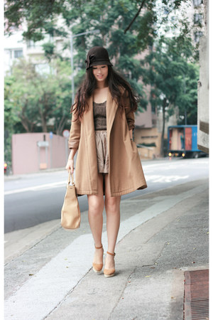 vintage coat - Pull &amp; Bear intimate - Chloe shoes