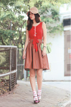 tawny Chicwish skirt - red rose tatu top - heather gray Miu Miu heels