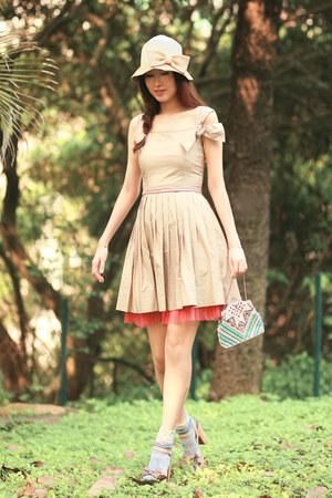 off white rose tatu dress - beige Jelly Pop sandals