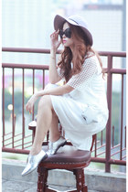 white Front Row Shop dress - black Choies sunglasses - silver pedder red flats