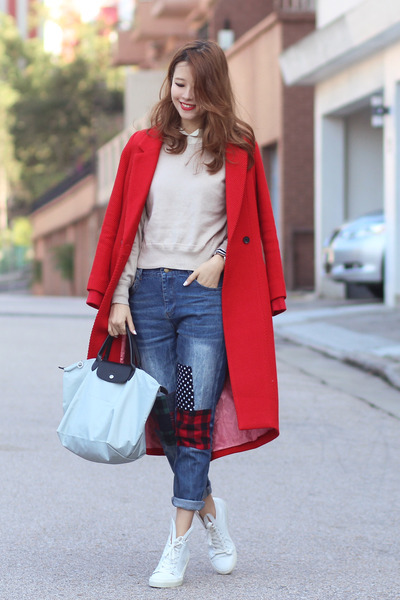 red Initial coat - navy Front Row Shop jeans - heather gray longchamp bag