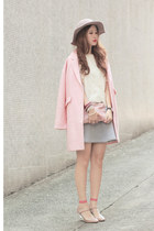 light pink Tout a Coup blazer - salmon the layers socks