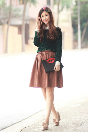 black awwdore bag - ruby red accessoriesmall hat - forest green romwe sweater