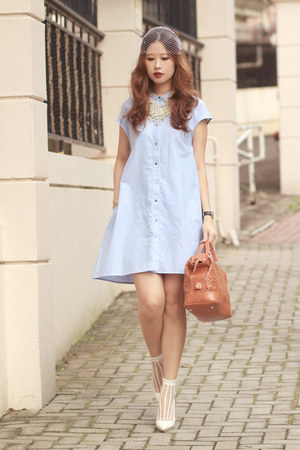 white the layers socks - light blue Front Row Shop dress - tawny Chicwish bag