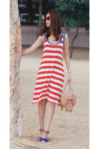 red from laurustinus dress - tan kate spade bag - ruby red H&M sunglasses - blue