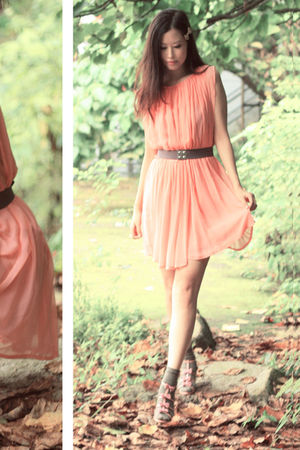 pink vanity beauty shoes - orange ulgii dress - gray H&M belt