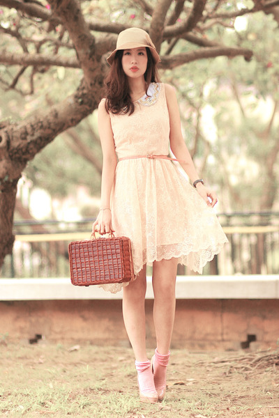 tawny Chicwish bag - ivory Zara dress - white collar Chicwish accessories