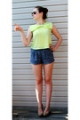 Lime-green-shirt-violet-shorts-brown-sunglasses