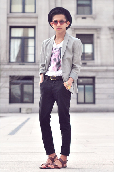 DIY t-shirt - JNBY blazer - brick red Oscar Magnuson sunglasses