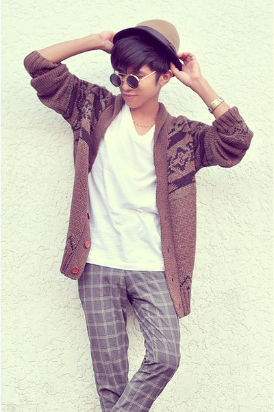 heather gray Zara pants - camel fedora H&M hat - ivory Zara t-shirt