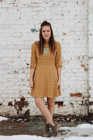 mustard Le Lis dress - turquoise blue statement Lucky Brand necklace