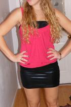 black Costa Blanca skirt - black H&M shirt - red shirt