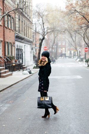 navy Club Monaco skirt - crimson Joie boots - black Sophie Hulme bag