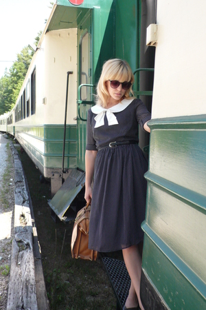 modcloth dress - shoes - vintage purse - H&amp;M sunglasses