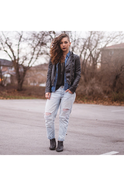 black ankle boots Aldo boots - light blue boyfriend American Eagle jeans