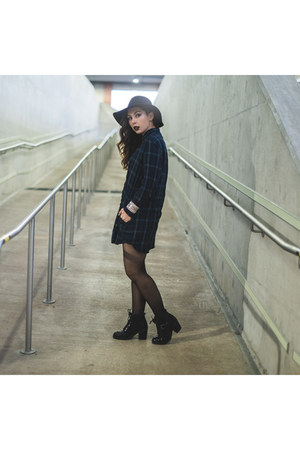 black patent leather Aldo boots - navy flannel Gap dress - black Aldo hat