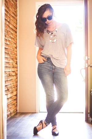 silver statement Aldo necklace - light blue skinny American Eagle jeans