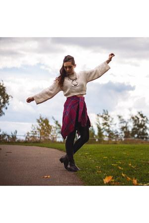 black ankle Aldo boots - cream cropped Zara sweater