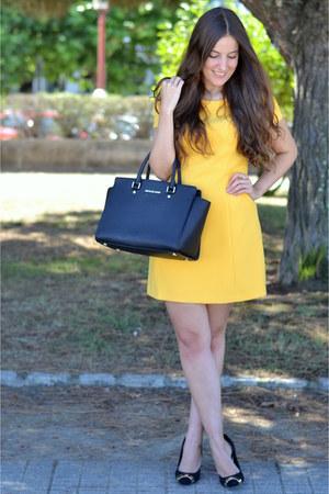 Zara dress - Michael Kors bag - suiteblanco heels