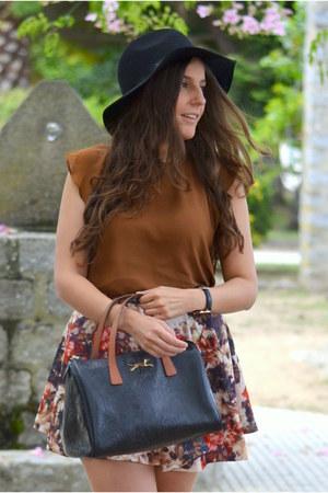 H&M hat - Bimba & Lola bag - blackfive skirt - Stradivarius blouse