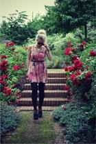 love dress Krisp dress - KG boots