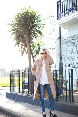 camel coat Missguided coat - shirt French Connection top