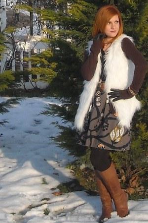 Stradivarius sweater - Glow vest - LaChatterie skirt