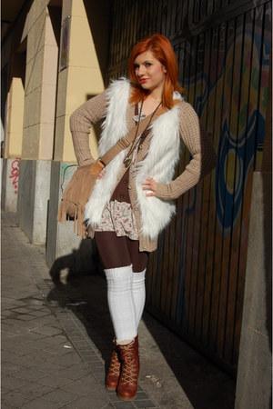 dark brown Pull & Bear dress - camel Stradivarius sweater - camel Gap bag - ivor