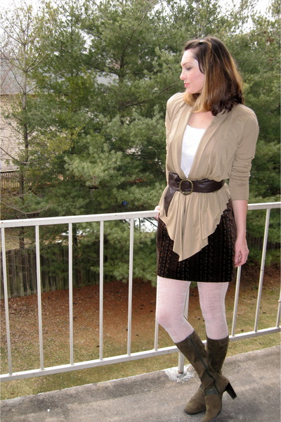 Beige Cardigans White Elle Tops Brown Belts Green Boots White Tights Brows | u0026quot;Work-Life ...