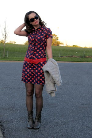 red thrifted belt - gray gojane boots - blue thrifted dress