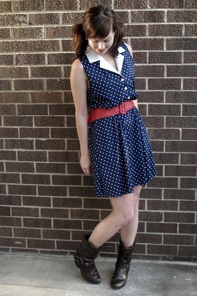 blue dress - pink belt - brown boots