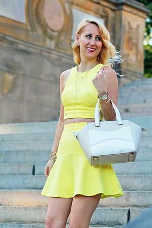 yellow crop LuLus top - kate spade bag - yellow LuLus skirt - brown Aldo heels