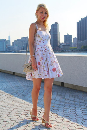 white floral print BB Dakota dress - beige Nine West bag