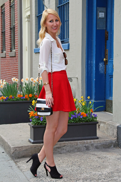 red textured flare Dynamite skirt - black Ann Marino shoes - Aldo bag