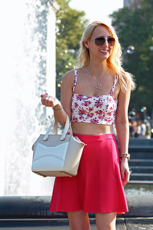 floral crop garage top - white kate spade bag - beige Nine West heels