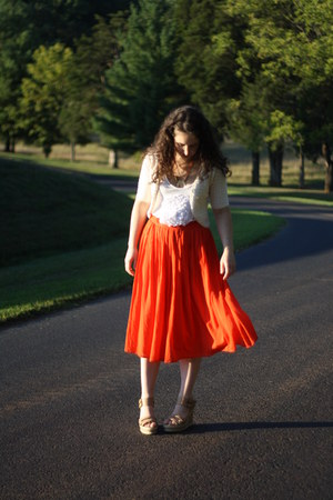 red threadcase skirt - off white Wanted shoes - off white Megan Nielsen cardigan