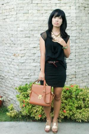 tawny bought online bag - black landmark top
