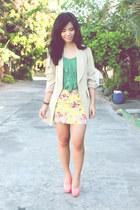 green Lauren Conrad top - beige vintage blazer - salmon Chick Flick heels