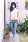 Blue-next-jeans-jeans-white-levis-top-gold-syrup-heels