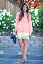 crochet & white roses.