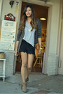 Light-brown-sam-edelman-boots-black-solemio-shorts-heather-gray-t-by-alexand