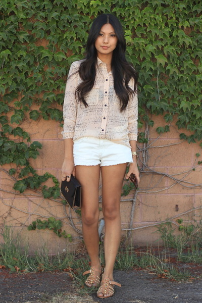beige boundary&co blouse - white Zara shorts