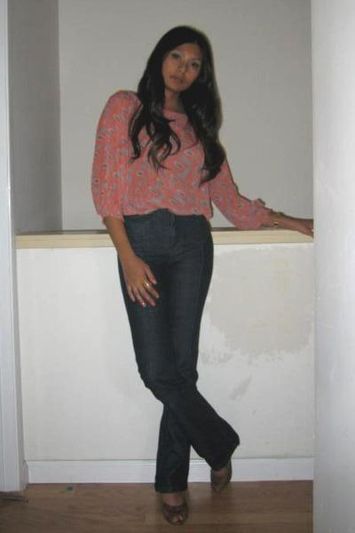 BCBG top - Lux jeans - Frye shoes