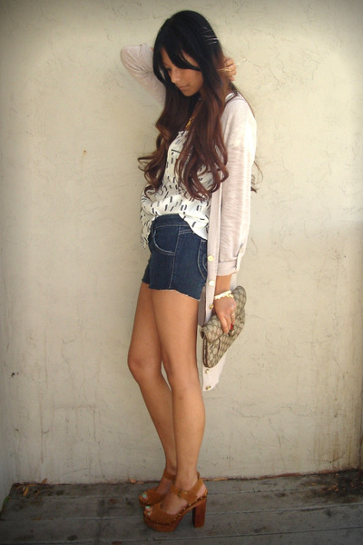 beige H&M cardigan - blue Siwy shorts - white Dolce Vita top - beige Vintage Guc