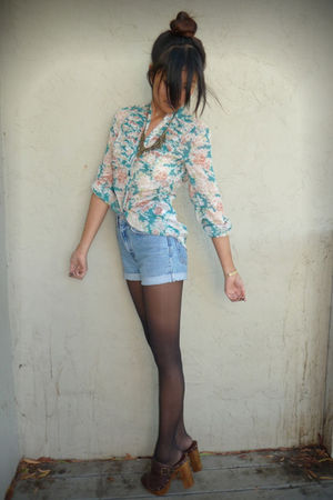 blue Levis shorts - green Forever 21 blouse - brown Steve Madden