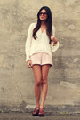 Light-pink-zara-shorts-cream-stone-cold-fox-blouse-dark-brown-zara-clogs