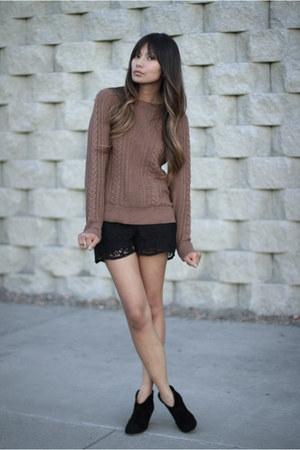 black Zara shorts - light brown Zara sweater